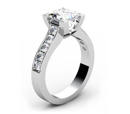Princess Cut Diamond Engagement Ring with V Shape Basket 4 2 2